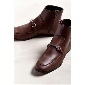NWT UO Men's Loafer Boots w/ Buckle